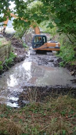 Curage d'un étang à Mareuil